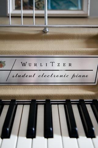 wurlitzerpiano-1