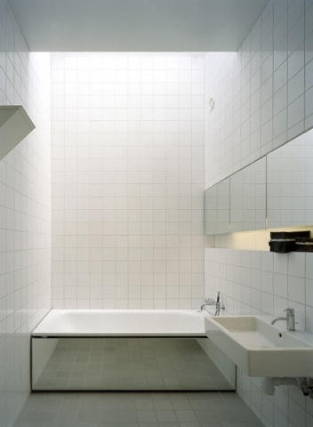 no-5-house-bathroom