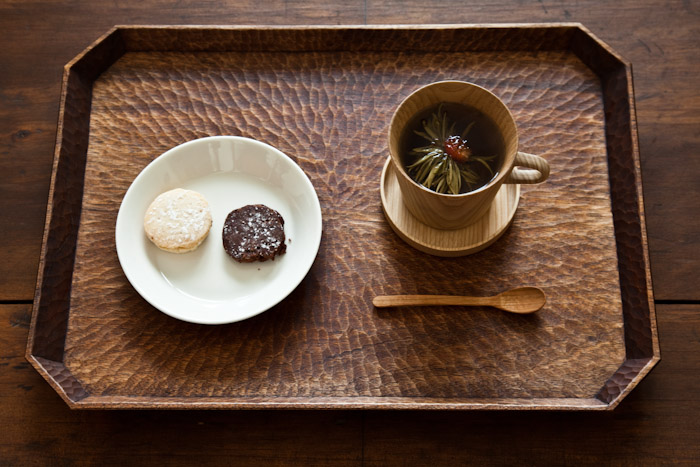 Kami mug and tea tray 2